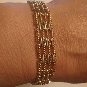 Tbh Napier gold tone linked bracelet 7 in